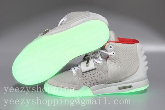 Nike_Air_Yeezy_2_Wolf_Grey_Pure_Platinum_Version2